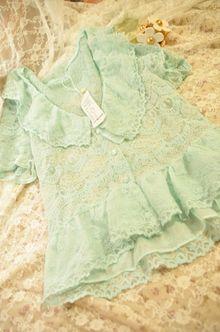 <云端少女>特价跑量。超赞的蕾丝衫。尾单。不参加包邮。