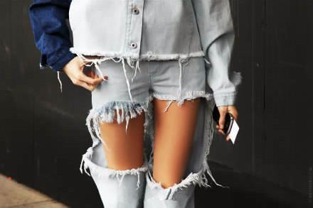 独家限定 欧美街拍同款大破洞露腿水洗磨白牛仔裤 尖货!