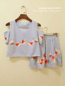 <Ruibao shop.>韩国清新竖条纹大花朵露肩短款上衣+高腰短裙套装