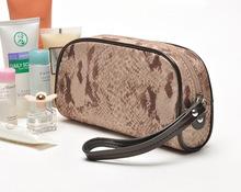 2013新款欧美风大牌咖色蛇纹手拎化妆包 大容量